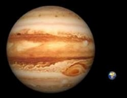Relative sizes - Jupiter and Earth